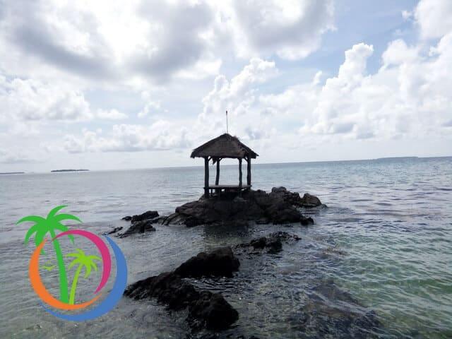 tempat selpi Pantai Batu Topeng karimunjawa